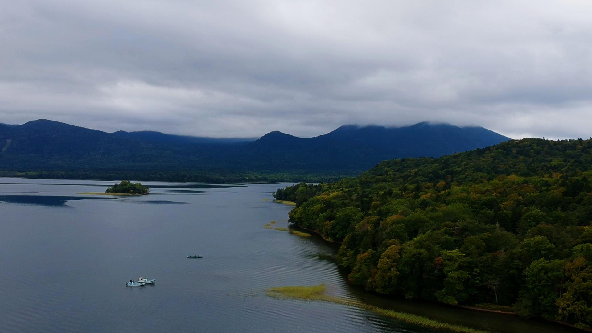 DJIドローンで空撮、初秋の阿寒湖